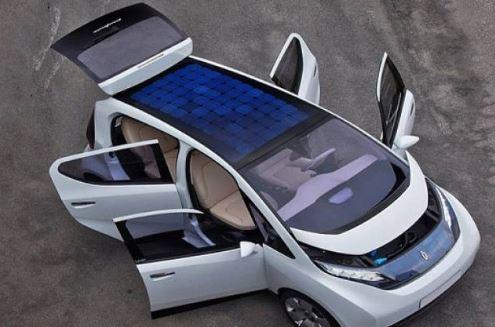 फ़रीदाबाद के YMCA S & T University के विद्यार्थियों ने सौर ऊर्जा से चलने वाली कार बनाई |