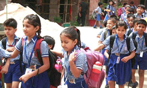 हर ब्लॉक में खोले जाएंगे इंग्लिश मीडियम प्राथमिक स्कूल बच्चों को मिलेगा बैग से छुटकारा : शर्मा